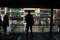 BOGOTA - COLOMBIA, 13-02-2019: Hoy se llevó a cabo la primera marcha por parte de los profesores, exigiendo al gobierno una mejora en sus condiciones laborales /Today carried out the first march of the teachers, to demand the government an inprovement in their labor conditions. Photo: VizzorImage / Nicolas Aleman / Cont