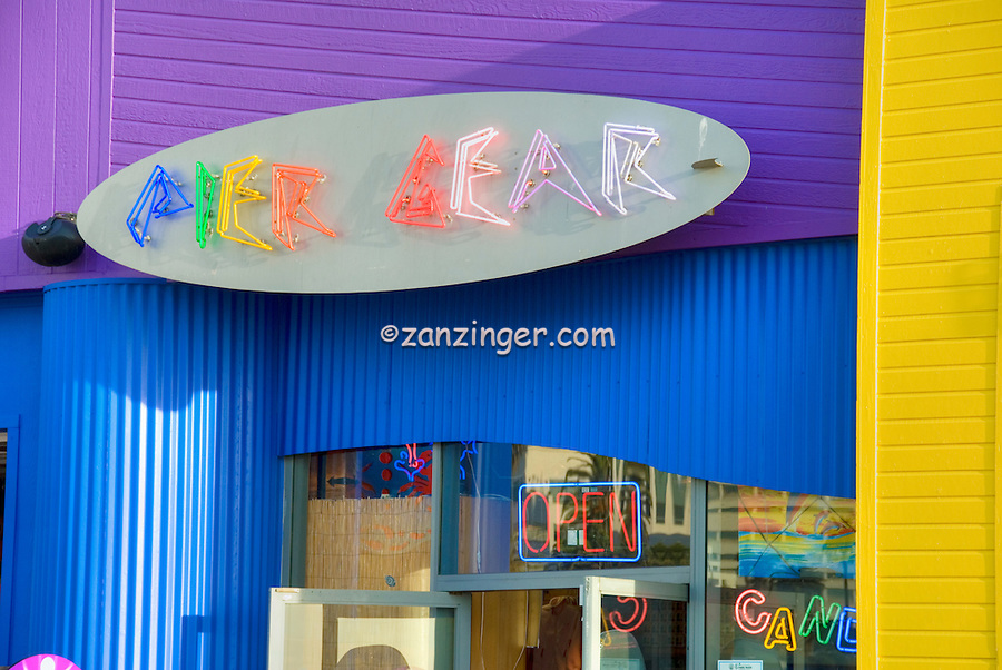 Colorful Pier Gear Store Santa Monica CA, Pacific Park Pier  family amusement park, Purple, Yellow, Blue