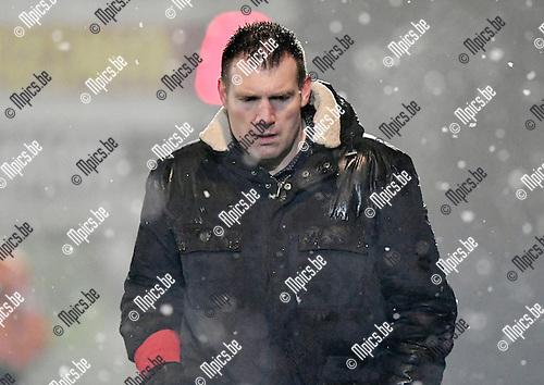 2017-02-11 / voetbal / seizoen 2016 - 2017 / Oosterzonen - Coxyde / Coach Stijn Geys (Oosterzonen)