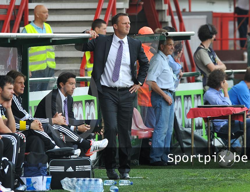KV Kortrijk - RSC Anderlecht : anderlecht-coach John Van den Brom.foto David Catry / VDB /