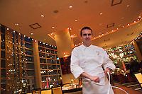 Amérique/Amérique du Nord/Canada/Québec/Montréal: Olivier Perret, chef du restaurant: Renoir au Sofitel Le Carré Doré [Non destiné à un usage publicitaire - Not intended for an advertising use]