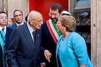 Roma 4 Giugno 2015<br /> Il presidente della Repubblica del Cile Michelle Bachelet  in visita ufficiale a Roma.<br /> La prima tappa  della visita in via di Torre Argentina, all'altezza del civico 21, dove la signora Bachelet e il sindaco di Roma Ignazio Marino, e il presidente emerito Giorgio Napolitano, hanno inaugurato una targa per ricordare l'organizzazione Chile Democratico, che dal 1973 al 1988 ebbe li' la sua sede, nel periodo della dittatura del generale Pinochet in Cile.<br /> Rome June 4, 2015<br /> The President of Chile Michelle Bachelet on an official visit to Rome.<br /> The first stage of the visit in Via di Torre Argentina, at number 21, where Ms. Bachelet and Mayor of Rome Ignazio Marino, with the former president Giorgio Napolitano, inaugurated a plaque to commemorate the organization Chile Democratico, which 1973-1988 had them 'his seat, during the dictatorship of General Pinochet in Chile.