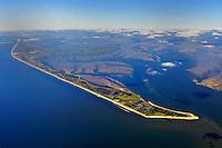 Sylt: EUROPA, DEUTSCHLAND, SCHLESWIG- HOLSTEIN, SYLT(GERMANY), 30.09.2010: Sylt  ist die groesste nordfriesische Insel. Sie erstreckt sich in Nord-Sued-Richtung vor der Nordseekueste Schleswig-Holsteins. Auf der Insel befinden sich die  Kurorte Westerland, Kampen und Wenningstedt. Wegen ihrer besonderen  Lage in der Nordsee kommt es zu kontinuierlichen Landverlusten bei Sturmfluten. Seit 1927 ist Sylt ueber den Hindenburgdamm mit dem Festland verbunden.