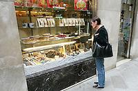 La vetrina della pasticceria Rosa Salva a Venezia.<br /> Exterior view of the confectioner's shop Rosa Salva in Venice.<br /> UPDATE IMAGES PRESS/Riccardo De Luca