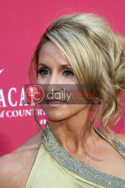 Heidi Newfield<br />at the 44th Annual Academy of Country Music Awards. MGM Grand Garden Arena, Las Vegas, NV. 04-05-09<br />Dave Edwards/DailyCeleb.com 818-249-4998