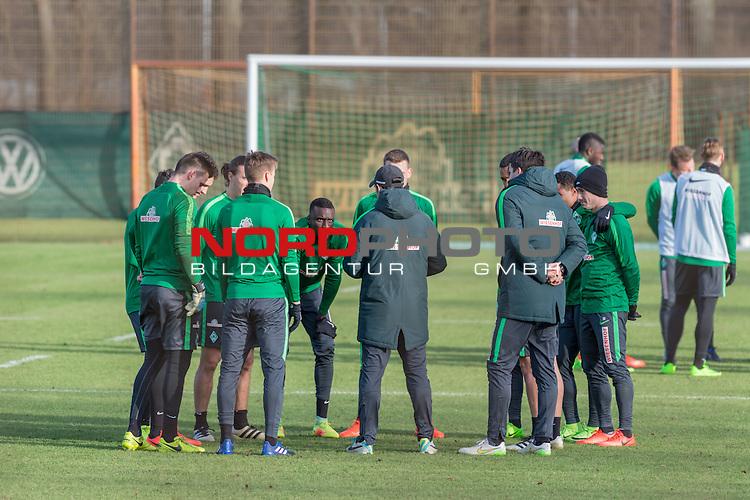 21.02.2017, Trainingsgelaende, Bremen, GER, 1.FBL, Training Werder Bremen<br /> <br /> im Bild<br /> Michael Zetterer (Bremen #30), Niklas Moisander (Bremen #18), Lamine San&eacute; / Sane (Bremen #26), im Kreis vor Alexander Nouri (Trainer SV Werder Bremen), Florian Bruns (Co-Trainer SV Werder Bremen) <br /> <br /> Foto &copy; nordphoto / Ewert