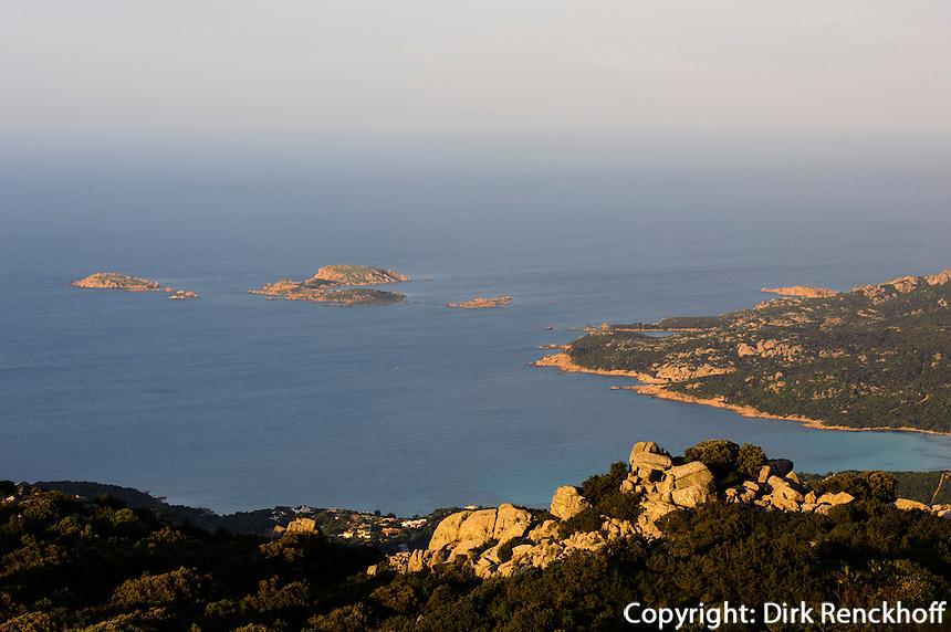 Blick vom Monte Moro auf Golfo Pevero, Costa Smeralda , Provinz Olbia-Tempio, Sardinien, Italien