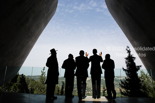 United States President Barack Obama visits the Yad Vashem Holocaust Museum in Jerusalem, March 22, 2013. Standing with the President, from left, are: Rabbi Yisrael Meir Lau; President Shimon Peres of Israel; Prime Minster Benjamin Netanyahu of Israel; and Avner Shalev, Chairman of the Yad Vashem Directorate. .Mandatory Credit: Pete Souza - White House via CNP