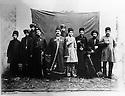 Iran 1895 Mirza Sadegh, Kurdish dignitary with his family and servants. On his left, with a white suit, his nephew Farrajolah Assef  <br /> Iran 1895 Mirza Sadegh, dignitaire kurde, entour&eacute; de sa famille et de ses serviteurs avec a sa gauche, Farrajollah Assef, en v&ecirc;tement clair, son neveu.<br /> ئیران سالی 1895 , ئه وه ی که له ناوه راست ده بینری میرزا سادق که پیاویکی ئه شراف و به ناوه , له نیو بنه ماله ی و خزمه تکاره کانییتی . له لای چه پیه وه , نه وه که ی فه ره جولا ئاسف به جل و به رگی سپی