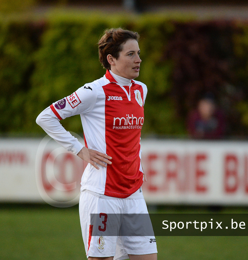 20150428 - VARSENARE , BELGIUM : Standard's Imke Courtois pictured in action during the soccer match between the women teams of Club Brugge Vrouwen and Standard de Liege Femina , on the 24th matchday of the BeNeleague competition Tuesday 28 th April 2015 in Varsenare . PHOTO DAVID CATRY