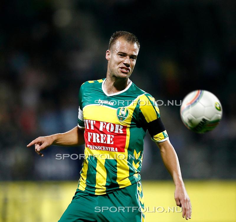 Nederland, Den Haag, 12  september 2009..Eredivisie.seizoen 2009-2010.Ado Den Haag -AZ  (2-1).Danny Buijs van Ado Den Haag in actie met de bal