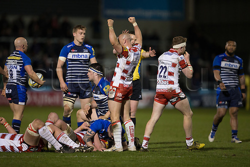 29.04.2016. AJ Bell Stadium, Salford, England. Aviva Premiership Sale Sharks versus Gloucester Rugby. Gloucester Rugby scrum half Willi Heinz celebrates a win.