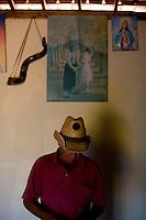 Diamantina_MG, 08 de Agosto de 2007.<br /> <br /> Projeto Beira de Estrada<br /> <br /> Rota Vale do Jequitinhonha e Mucuri<br /> <br /> Na foto, Joel de Jesus Fernades.<br /> <br /> Foto: LEO DRUMOND / NITRO
