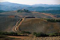 Italien, Toskana, Huegel bei San Gimignano