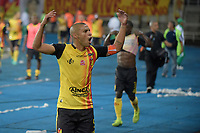 PEREIRA - COLOMBIA, 22-11-2019: Diego Alvarez de Pereira celebra después partido de ida por la final del Torneo Águila 2019 II entre Deportivo Pereira y Boyacá Chicó jugado en el estadio Hernán Ramírez Villegas de la ciudad de Pereira. / Diego Alvarez of Pereira celebrates after second leg final match for the Aguila Tournament 2019 II between Deportivo Pereira and Boyaca Chico played at the Hernan Ramirez Villegas stadium in Pereira city.  Photo: VizzorImage/ Mauricio Ortiz / Cont