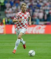 FUSSBALL  EUROPAMEISTERSCHAFT 2012   VORRUNDE Italien - Kroatien                    14.06.2012 Ivan Rakitic (Kroatien) Einzelaktion am Ball
