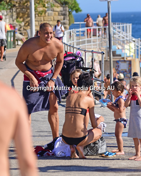 25 February, 2016 <br /> SYDNEY, AUSTRALIA<br /> <br /> EXCLUSIVE PICTURES<br /> Geoff and Sara Huegill family beach afternoon at North Bondi Beach.<br /> <br /> *ALL WEB USE MUST BE CLEARED*<br /> <br /> Please contact prior to use:  <br /> <br /> +61 2 9211-1088 or email images@matrixmediagroup.com.au <br /> <br /> Note: All editorial images subject to the following: For editorial use only. Additional clearance required for commercial, wireless, internet or promotional use.Images may not be altered or modified. Matrix Media Group makes no representations or warranties regarding names, trademarks or logos appearing in the images.