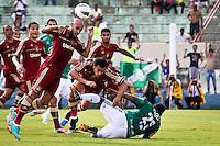 ATENÇÃO EDITOR: FOTO EMBARGADA PARA VEÍCULOS INTERNACIONAIS PRESIDENTE PRUDENTE 11 NOVEMBRO 2012 - CAMPEONATO BRASILEIRO - PALMEIRAS x FLUMINENSE - Carlinhos jogador do Fluminense  durante partida Palmeiras x Fluminense válido pela 35º rodada do Campeonato Brasileiro no Estádio Eduardo José Farah. Apelido, (Prudentão), no interior paulista na tarde deste domingo (11).(FOTO: ALE VIANNA -BRAZIL PHOTO PRESS)