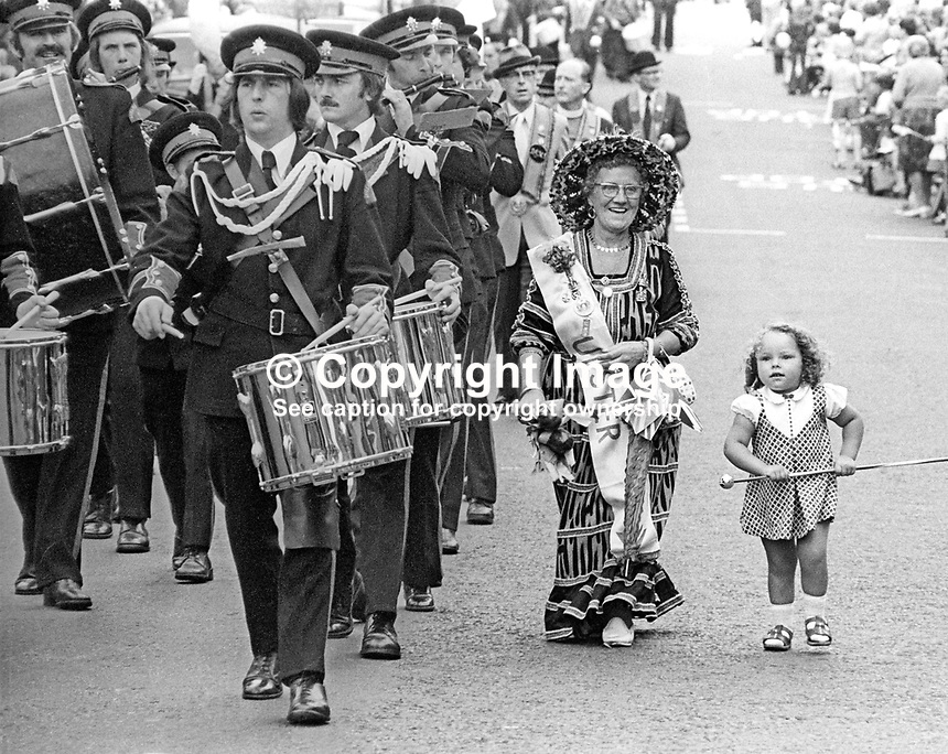 Twelfth, Belfast, N Ireland, 12th July 1977. The event has always attracted colourful &amp; interesting charactors and 1977 was no different in this respect. 197707120150a.<br />