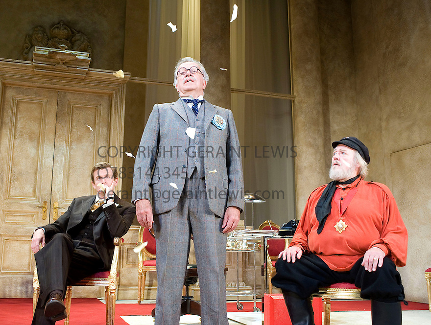 The Apple Cart by George Bernard Shaw,directed by Sir Peter Hall.With Charles Edwards as King Magnus , James Laurenson as Proteus ,Barry Stanton as Boanerges.Opens at The Theatre Royal Bath on 14/7/09. CREDIT Geraint Lewis