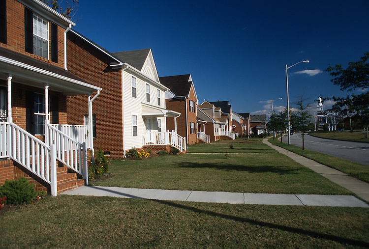 1995 November 09..Redevelopment.Huntersville 2..Attucks Square West...NEG#.NRHA#..