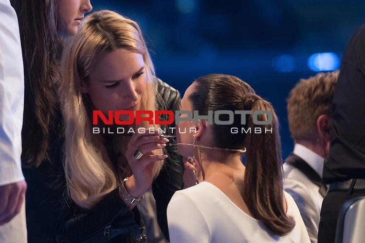 16.05.2015, &Ouml;VB-Arena, Bremen, GER, DSDS sucht den Superstar _ Finale 2015, im Bild<br /> <br /> Mandy Capristo (Jury DSDS 2015) wird geschminkt<br /> <br /> <br /> Foto &copy; nordphoto / Kokenge