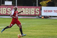 SAO PAULO, SP, 10.09.2013 - TREINO SAO PAULO  FC - Edson Silva durante sessao de treinamento da equipe São Paulo Futebol Clube no Centro de Treinamento da Barra Funda nesta terca-feira, 10. (Foto: William Volcov / Brazil Photo Press).