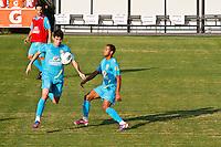 ATENÇÃO EDITOR: FOTO EMBARGADA PARA VEÍCULOS INTERNACIONAIS - COTIA,SP,05 SETEMBRO 2012 - TREINO SELEÇÃO BRASILEIRA Oscar (e) e Lucas   durante treino da seleção brasileira na tarde de hoje no CT do São Paulo em Cotia.FOTO ALE VIANNA - BRAZIL PHOTO PRESS.
