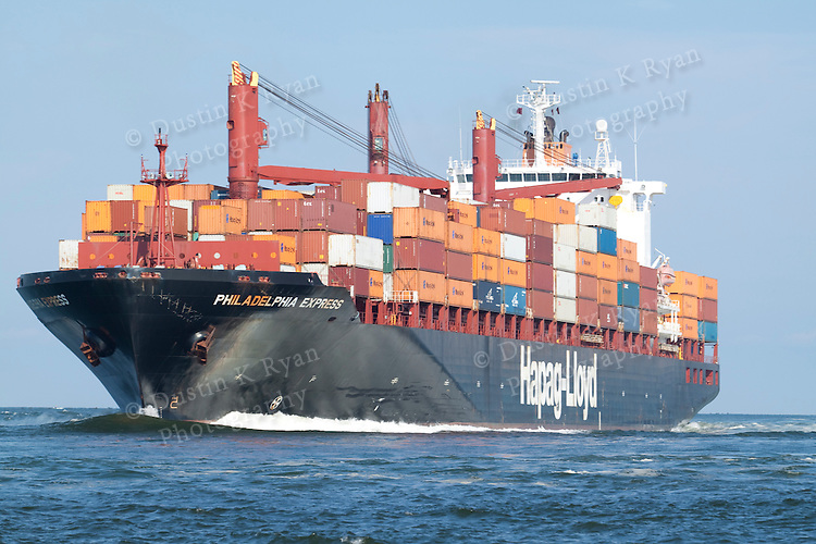 Hapag Lloyd Container Ship Www Imgkid Com The Image