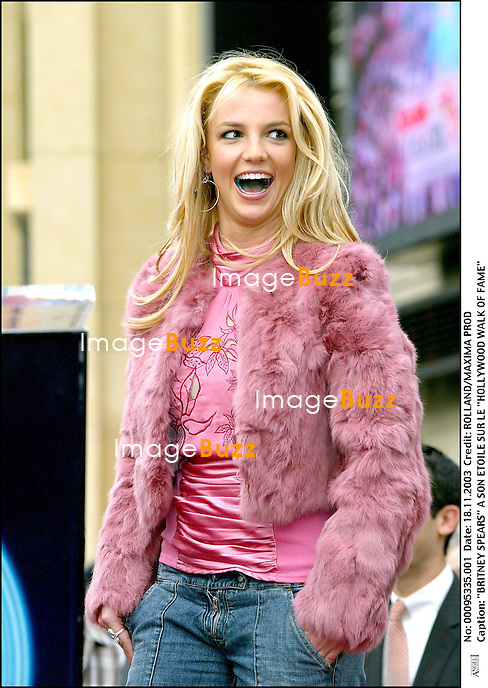 """BRITNEY SPEARS"" A SON ETOILE SUR LE ""HOLLYWOOD WALK OF FAME"" ""HOLLYWOOD BOULVARD"" FEMININ CHANTEUSE BLONDE ""PLAN AMERICAIN"""