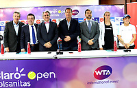 BOGOTA - COLOMBIA - 13 - 03 - 2018: Jahn Fontalvo (Izq.) de Gran Slam Producciones y Director General del Claro Colsanitas WTA 2018, Orlando Merlano (2 Izq.); Director del Instituto Distrital para la Recreación y el Deporte (IDRD); Frank Harb (3 Izq.), Vicepresidente Comercial de Colsanitas; Gabriel De Las Casas (4 Der.), Director de Comunicaciones de Claro; Afranio Restrepo (3 Der.), Subdirector de Coldeportes y Mariana Duque (2 Der.) deportista y Jessica Plazas (Der.), durante la presentación del Claro Colsanitas WTA 2018 de tenis, que se realizara en las canchas del Club Los Lagartos en la ciudad de Bogota del 7 al 15 de abril de 2018. / Jahn Fontalvo (L) of Gran Slam Productions and General Director of Claro Colsanitas WTA 2018, Orlando Merlano (2 L); Director of the District Institute for Recreation and Sports (IDRD); Frank Harb (3 L), Commercial Vice President of Colsanitas; Gabriel De Las Casas (4 R), Communications Director of Claro and Afranio Restrepo (3 R), Deputy Director of Coldeportes; Mariana Duque (2 R) player and Jessica Plazas (R), during the presentation of the Claro Colsanitas WTA 2018 of Tennis Championships, to be held in the courts of the Club Los Lagartos in Bogota city, from 7 to April 15, 2018. Photo: VizzorImage / Luis Ramirez / Staff.