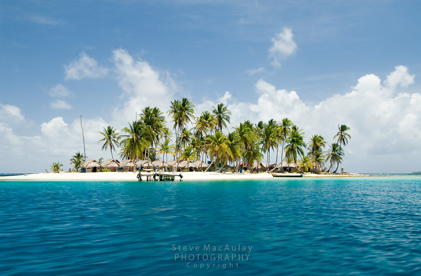 White sand and palm trees, tropical island, Comarca De Kuna Yala, San Blas Islands, Panama