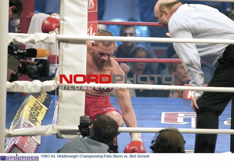 Wilhelm-Dopatka-Halle Leverkusen <br /> <br /> Universum Box-Promotion <br /> <br /> <br /> <br /> WBO Int. Middleweight Championship:<br /> <br /> Felix Sturm vs. Bert Schenk <br /> <br /> <br /> <br /> Felix Sturm gewinnt durch k.o.gegen Bert Schenk in der 2.Runde<br /> <br />  Foto &copy; nordphoto <br /> <br /> <br /> <br /> <br /> <br /> <br /> <br /> <br /> <br /> <br /> <br /> <br /> <br /> <br /> <br />  *** Local Caption *** Foto ist honorarpflichtig! zzgl. gesetzl. MwSt.<br /> <br /> <br /> <br />  Belegexemplar erforderlich<br /> <br /> <br /> <br /> Adresse: nordphoto<br /> <br /> <br /> <br /> Georg-Reinke-Strasse 1<br /> <br /> <br /> <br /> 49377 Vechta