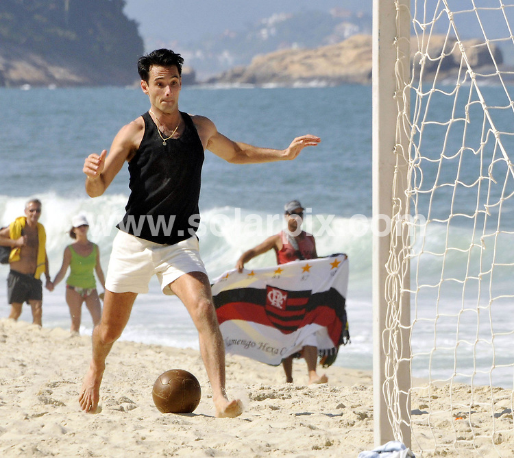 **ALL ROUND PICTURES FROM SOLARPIX.COM**.**SYNDICATION RIGHTS FOR UK AND SPAIN ONLY**.Actors Alinne Moraes and Rodrigo Santoro were pictured at Copacabana beach, south area of Rio de Janeiro, shooting a romantic scene for their new movie - Heleno - about the life of Brazilian footballer Heleno de Freitas. Rio, Brazil. 9 June 2010..This pic: Rodrigo Santoro..JOB REF: 11447 PRT        DATE: 09_06_2010.**MUST CREDIT SOLARPIX.COM OR DOUBLE FEE WILL BE CHARGED**.**MUST NOTIFY SOLARPIX OF ONLINE USAGE**.**CALL US ON: +34 952 811 768 or LOW RATE FROM UK 0844 617 7637**