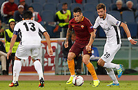 Calcio, Europa League: Roma vs Astra Giurgiu. Roma, stadio Olimpico, 29 settembre 2016.<br /> Roma&rsquo;s Juan Iturbe, center, is challenged by Astra Giurgiu&rsquo;s Junior Morais, left, and Florin Lovin during the Europa League Group E soccer match between Roma and Astra Giurgiu at Rome's Olympic stadium, 29 September 2016. Roma won 4-0.<br /> UPDATE IMAGES PRESS/Riccardo De Luca