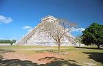 The great Mayan pyramid 'El Castillo' at Chichen Itza in the Yucatan, Mexico