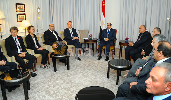 Egyptian President Abdel Fattah al-Sisi meets with Chairman of the Fund Investment Management Actis Torbjorn Caesar, in London, 04 November 2015. According to Egyptian media, Cameron and Sisi are expected to discuss terrorism, extremism and the conflict in Syria. Photo by Egyptian President Office