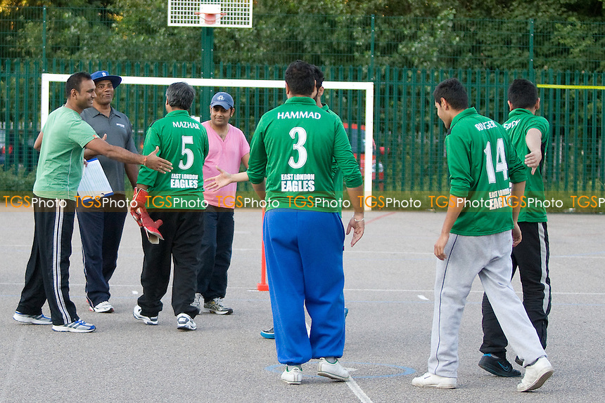 Cricket Practice at Wanstead Leisure Centre - 08/08/12 - MANDATORY CREDIT: TGSPHOTO - Self billing applies where appropriate - 0845 094 6026 - contact@tgsphoto.co.uk - NO UNPAID USE