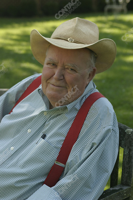 Long time syndicated political writer Jack Germond at his house on the Shenandoah river. Charles Town, W VA. October 8, 2003