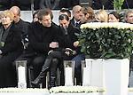 m heutigen Sonntag (15.11.2009) nahmen die Fans und Freunde des am 10.11.2009 verstorbenen Nationaltorwartes Robert Enke ( Hannover 96 ) Abschied. In der groessten Trauerfeier nach Adenauer kamen rund 100.000 Tr&auml;uergaeste zur AWD Arena. Zu den VIP z&auml;hlten u.a. Altkanzler Gerhard Schroeder, Bundestrainer Joachim Loew und die aktuelle DFB Nationalmannschaft, sowie Vertreter der einzelnen Bundesligamannschaften und ehemalige Vereine, in denen er gespielt hat. Der Sarg wurde im Mittelkreis des Stadions aufgebahrt. Trauerreden hielten u.a. MIniterpr&auml;sident Christian Wulff, DFB Pr&auml;sident Theo Zwanziger , Han. Pr&auml;sident Martin Kind <br /> <br /> Foto:  Teresa Enke bei der Ansprache von MP Wulff brach sie in Traenen aus<br /> <br /> Foto: &copy; nph ( nordphoto )  <br /> <br />  *** Local Caption *** Fotos sind ohne vorherigen schriftliche Zustimmung ausschliesslich f&uuml;r redaktionelle Publikationszwecke zu verwenden.<br /> Auf Anfrage in hoeherer Qualitaet/Aufloesung