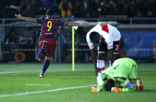 Luis Suarez (Barcelona), DECEMBER 20, 2015 - Football / Soccer : Luis Suarez of Barcelona celebrates after scoring their 2nd goal during the FIFA Club World Cup Japan 2015 Final match between River Plate 0-3 FC Barcelona at International Stadium Yokohama in Kanagawa, Japan. (Photo by Koji Aoki/AFLO SPORT)