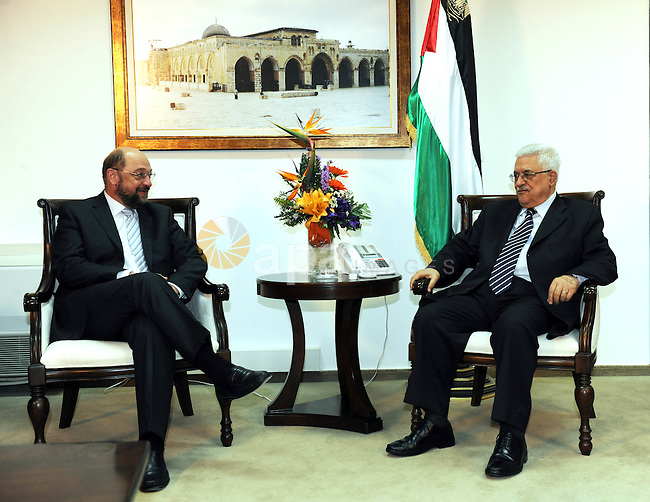 Palestinian President Mahmoud Abbas (Abu Mazen) receives  the President of Mjmuahalthalv Martin Schulz for the Socialists and the Progressive Democrats in the European Parliament today in Ramalla on Nov. 03, 2011. Photo by Mufeed Abu Hanah