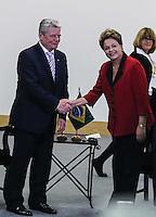 SAO PAULO, SP, 13 DE MAIO 2013 - ENCONTRO BILATERAL - BRASIL - ALEMANHA - A presidente da República Dilma Rousseff e o presidente da Alemanha Joachim Gauck durante encontro bilateral Brasil-Alemanha no Hotel Sheraton WTC na região sul da capital paulista, nesta segunda-feira, 13. (FOTO: WILLIAM VOLCOV / BRAZIL PHOTO PRESS).