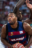 Real Madrid's player Othello Hunter and FC Barcelona Lassa's player Joey Dorsey during the match of the semifinals of Supercopa of La Liga Endesa Madrid. September 23, Spain. 2016. (ALTERPHOTOS/BorjaB.Hojas)