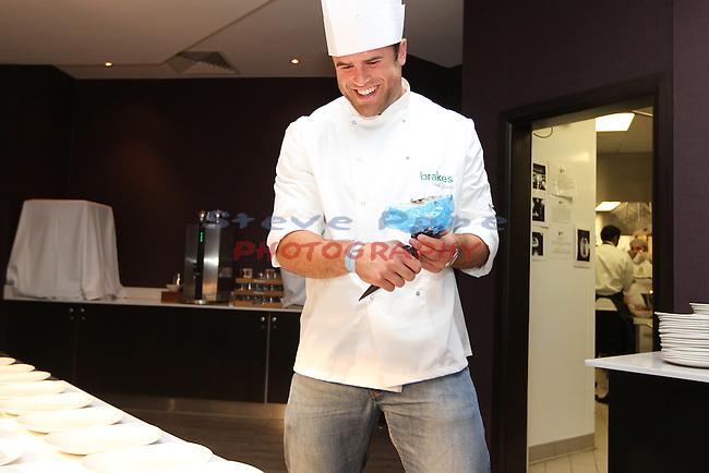 Ty Hafan Celebrity Chef.Jamie Roberts.Maldron Hotel.26.09.12.©Steve Pope