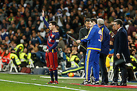 Barcelona´s Leo Messi prepares to get in the field, after an injury period, during 2015-16 La Liga match between Real Madrid and Barcelona at Santiago Bernabeu stadium in Madrid, Spain. November 21, 2015. (ALTERPHOTOS/Victor Blanco) /NortePhoto