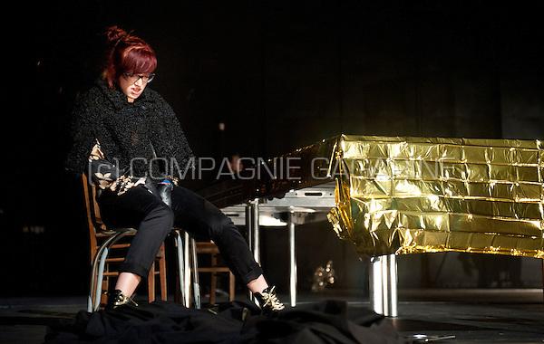 "Theatre company Tist! playing ""Vos"" in the serie Amateurtoneelhuis in Antwerp (Belgium, 12/04/2014)"