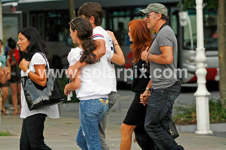 **ALL-ROUND PICTURES FROM SOLARPIX.COM**.**SYNDICATION RIGHTS FOR UK, USA & CANADA ONLY**.Bruce Springsteen and his family strolling through San Sebastian, Spain where they are enjoying a few days off. Bruce aka The Boss is midway through the spanish leg of his tour. San Sebastian, Spain. 4 August 2009..This pic: Bruce Springsteen..JOB REF: 9687 SKX      DATE:  04_08_2009.**MUST CREDIT SOLARPIX.COM OR DOUBLE FEE WILL BE CHARGED**.**MUST NOTIFY SOLARPIX OF ONLINE USAGE**.**CALL US ON: +34 952 811 768 or LOW RATE FROM UK 0844 617 7637**