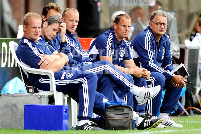 EMMEN - FC Emmen - Ajax voorbereiding  seizoen 2011-2012 , 09-07-2011 Ajax bank met Bergkamp, de Boer en Spijkerman
