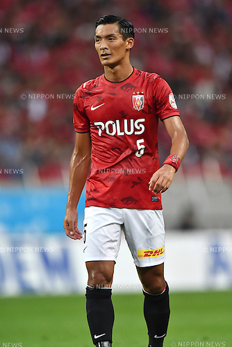 Tomoaki Makino (Reds),<br /> AUGUST 16, 2014 - Football / Soccer :<br /> 2014 J.League Division 1 match between Urawa Red Diamonds 1-0 Sanfrecce Hiroshima at Saitama Stadium 2002 in Saitama, Japan. (Photo by AFLO)